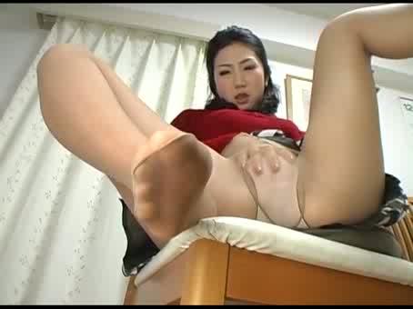 【FC2】パンストの人妻の淫語オナニー無料H動画。【人妻動画】